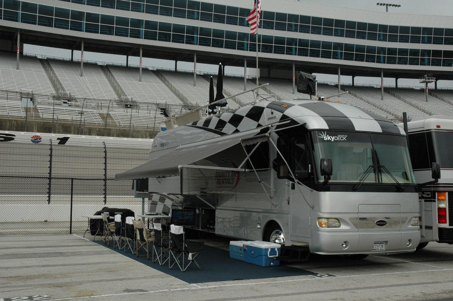 texas motor speedway rv rentals